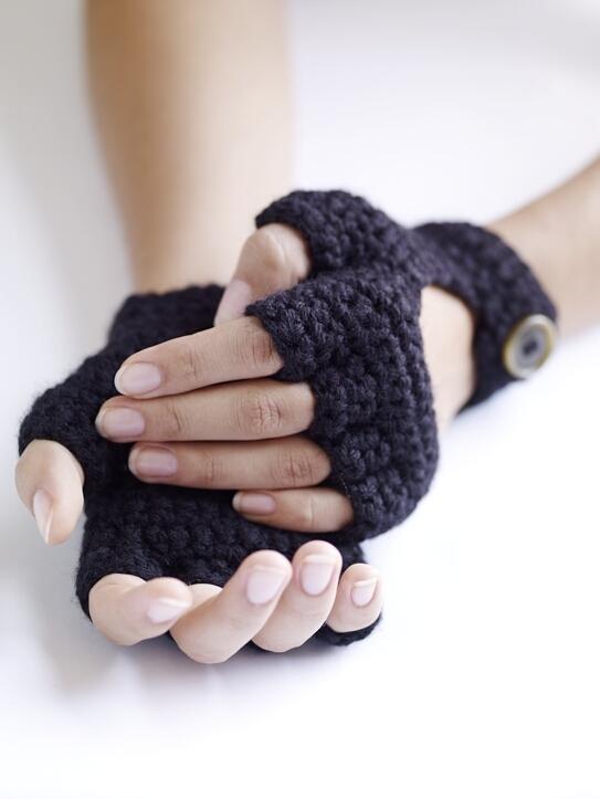 Як носити рукавички з обрізаними пальцями