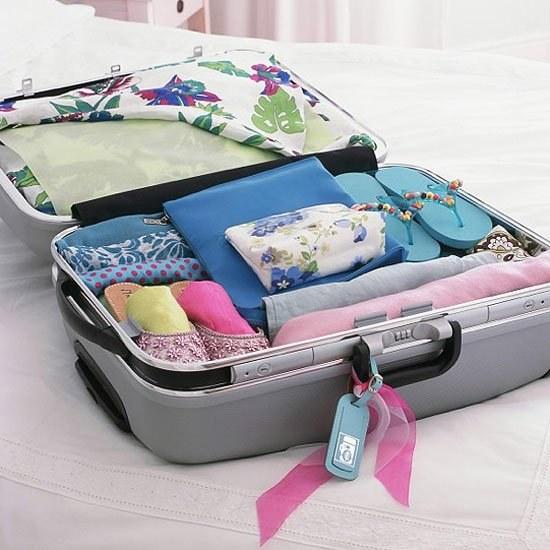 Пакуємо валізи: що взяти з собою у відпустку