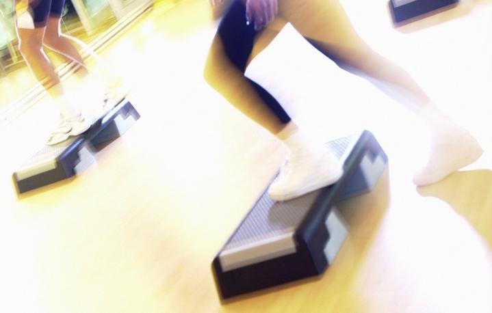 Що таке степ-аеробіка: заняття та вправи